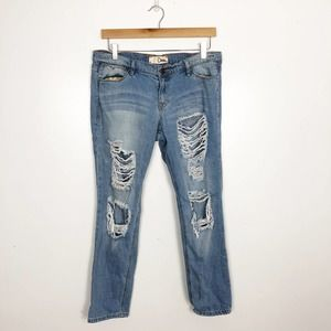 DITTO | Light Wash Distressed Relaxed Skinny Jeans